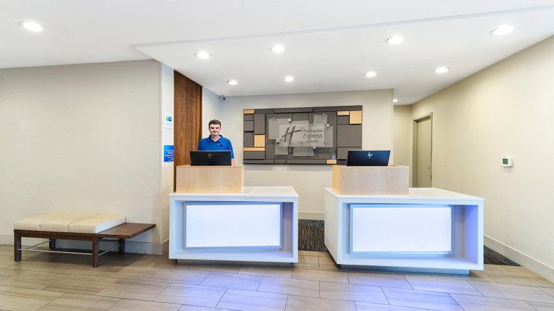 Holiday Inn Express & Suites Dinuba West-Front Desk<br/>Image from Leonardo