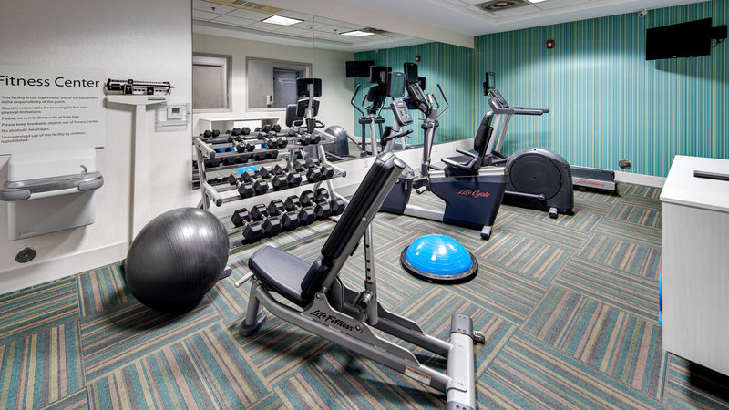 Holiday Inn Express & Suites Dinuba West-Fitness Center<br/>Image from Leonardo