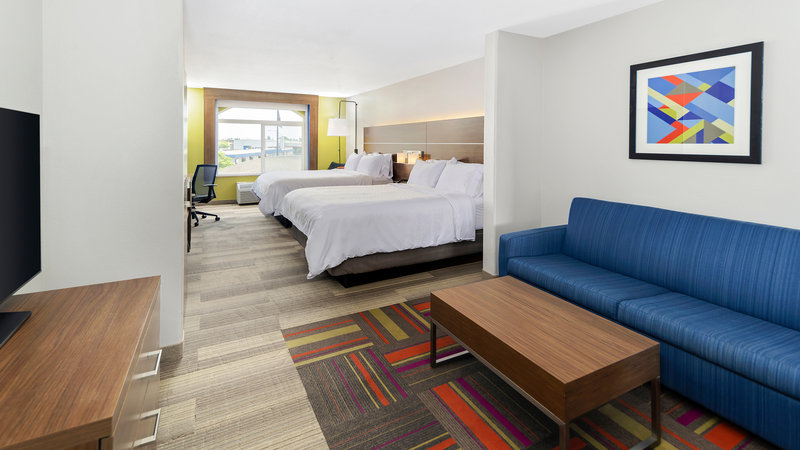 Holiday Inn Express & Suites Dinuba West-Two Queen Suite<br/>Image from Leonardo
