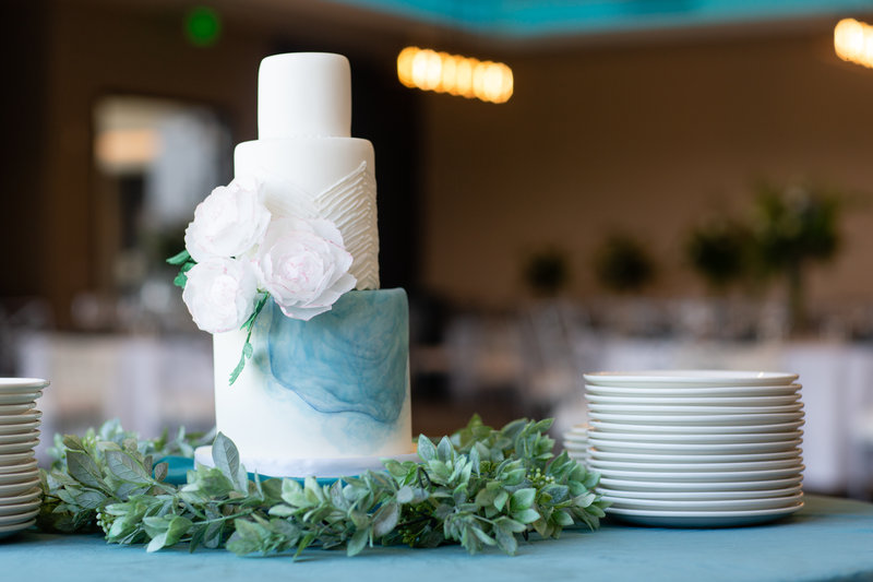 Hotel Indigo Seattle Everett Waterfront-See your beautiful wedding cake in our ballroom.<br/>Image from Leonardo
