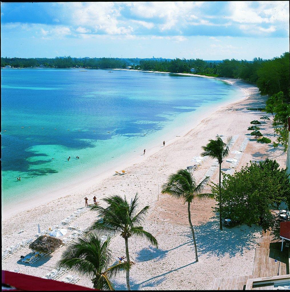 Bahamas Beach: Sandals Royal Bahamian Spa